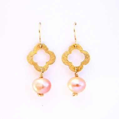 Flower and Pearl in Rose-1